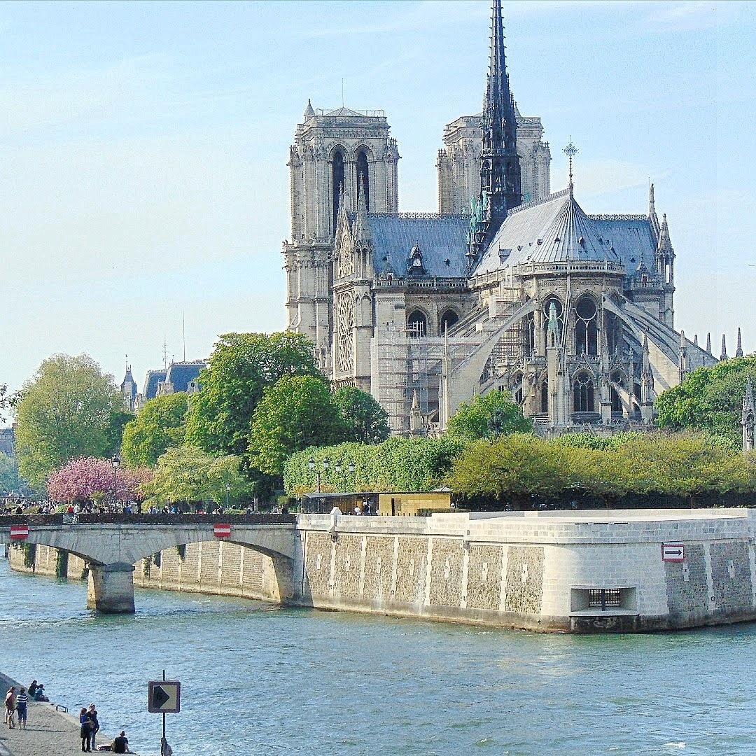 weekend w Paryżu, wycieczka do paryża  KATEDRA NOTRE DAME PARIS