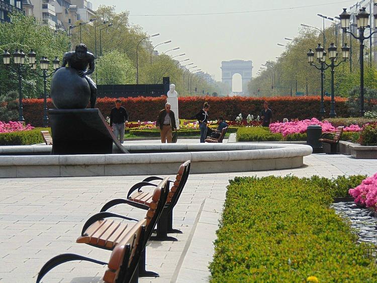 Łuk Triumfalny  paryż co warto zobaczyć