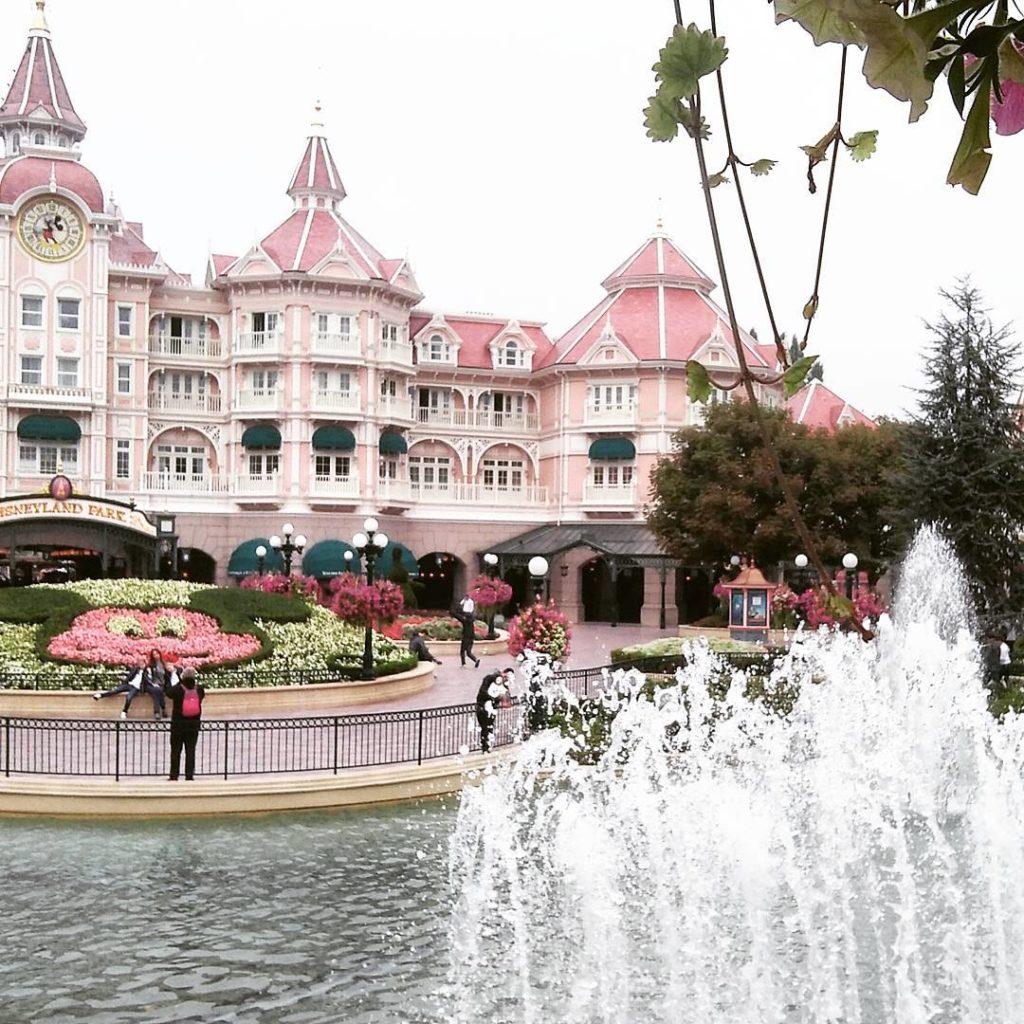 Disneyland Paris discoverearth disneylovers disneylove seemyparis iglobalphotographers igparis igersfrance hellofrancehellip