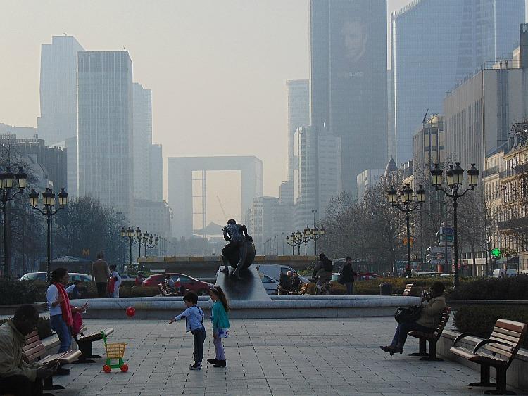 paryż zanieczyszczenie powietrza