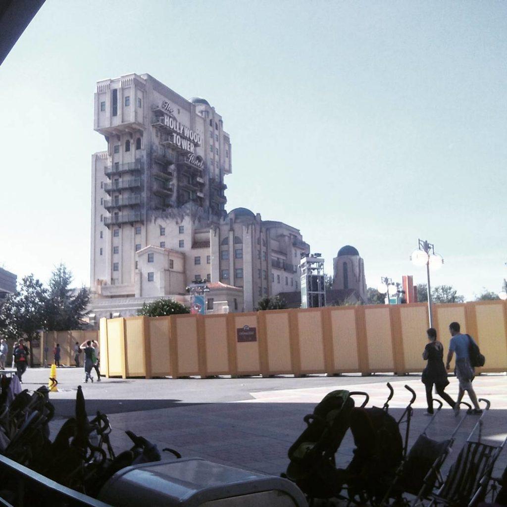 Walt Disney Studio Tower of Terror z bezpiecznej odleglosci seemyparishellip