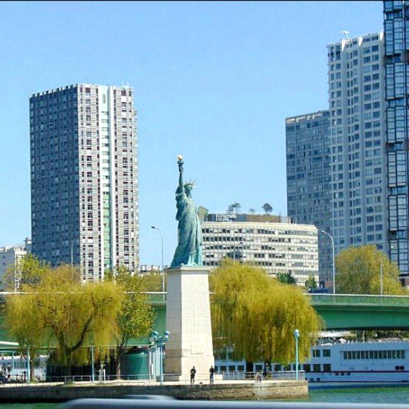 Statua Wolności W PARYZU