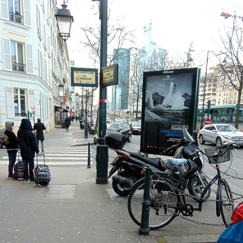 praca w paryżu