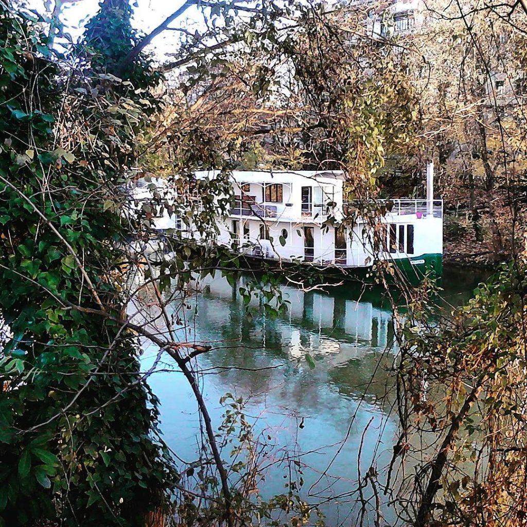 Dom na wodzie Bo odkd mieszkam w Paryu to jesthellip