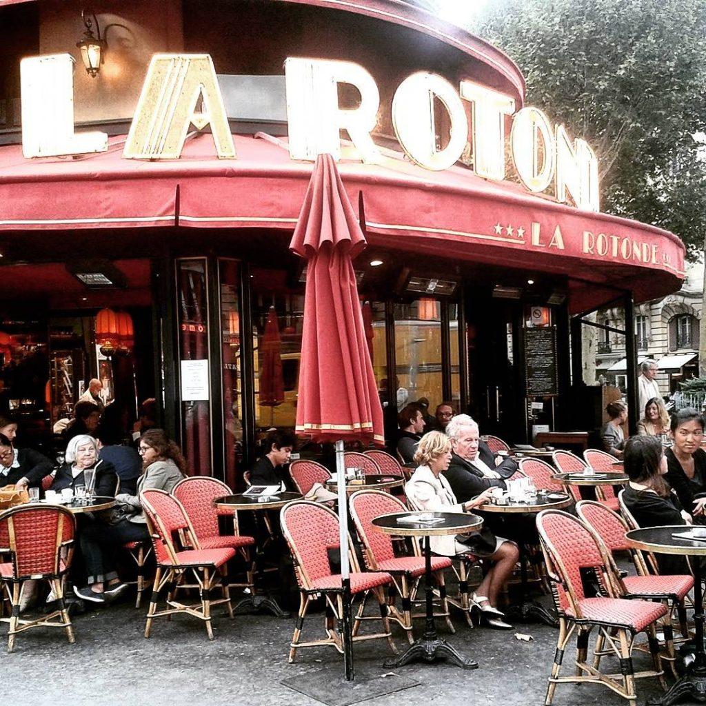 La Rotonde mityczna kafejka na Montparnassie w centrum skandalu politycznegohellip