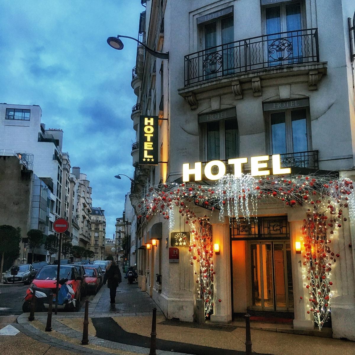 Wieczór Sylwestrowy w Paryżu.